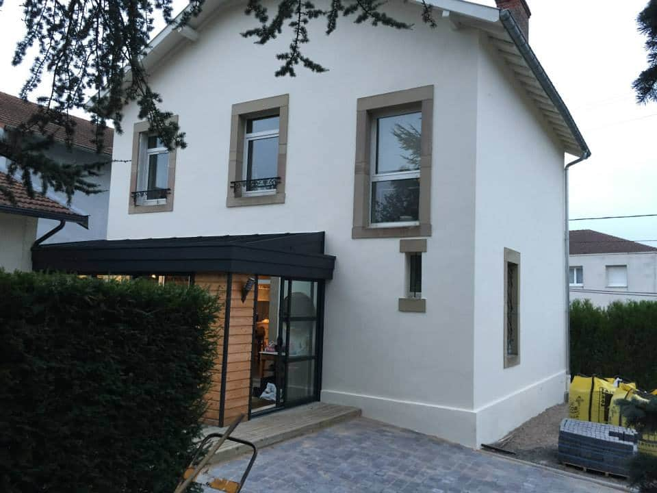 AMI Lorraine - Ravalement de façade façades Custines (54 Meurthe-et-Moselle) - Application de deux couches de peinture sur les façades et boiseries