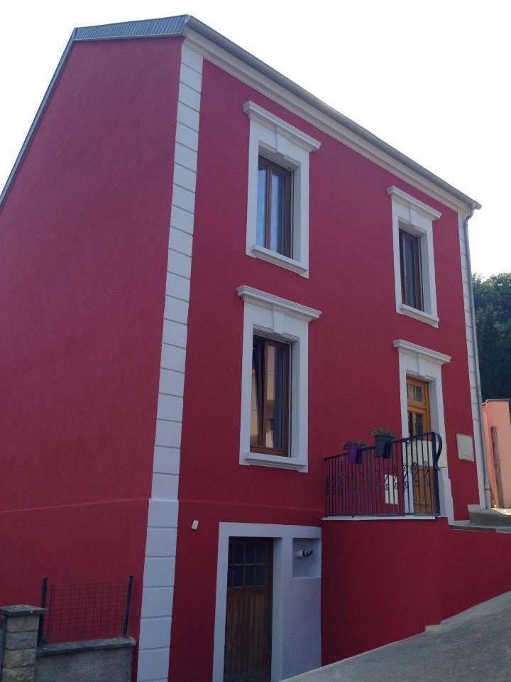 AMI Lorraine - Ravalement de façade Ottange (57 Moselle) - Ravalement grésé avec sous-couche et trame fibre de verre